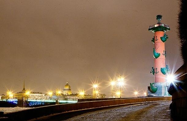 В воскресенье в Петербург придет сильный ветер и туман
