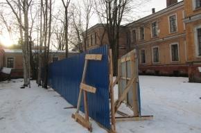 Градозащитники обеспокоены возможным сносом исторических зданий ВМА на Боткинской,17