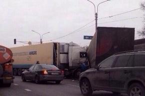 В ДТП на Московском шоссе столкнулись три автомобиля
