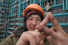 Петербурженка легализовала 7 мигрантов