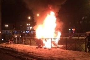 Водитель «Тойоты», сгоревшей на Народной, перед пожаром сбил светофор