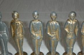 В Петербург не пустили контрабандных оловянных солдатиков на общую сумму 9,5 млн рублей