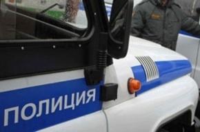 На проспекте Энтузиастов  грабитель напал на девушку в лифте