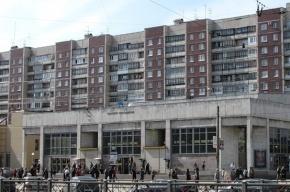 Житель Петербурга, пытаясь успокоить пьяного дебошира, убил его