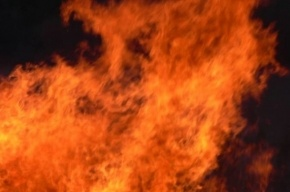 15 человек было эвакуировано из-за пожара в коммуналке на Большом Сампсониевском