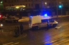 На Старо-Петергофском проспекте автомобилист на «зебре» сбил человека