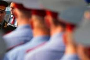 Безработный открыл стрельбу по петербургским полицейским