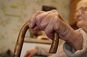 89-летнюю пенсионерку задушил собственный внук при помощи приятеля