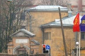 Незаконные работы идут в историческом корпусе-памятнике на Боткина, 17