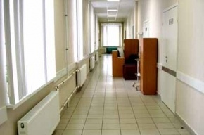 В больнице на Авангардной из окна выпал пациент