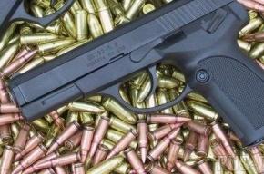 В кафе на Новаторов посетитель угрожал бармену пистолетом