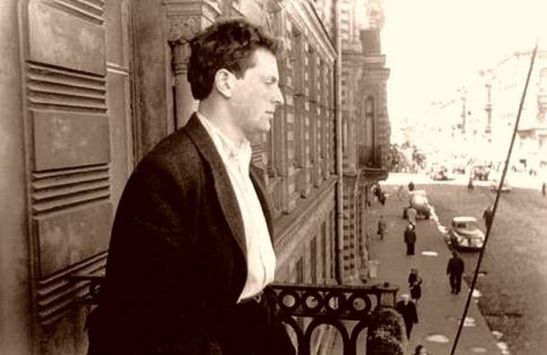 В Петербург из Нью-Йорка привезли личные вещи Иосифа Бродского