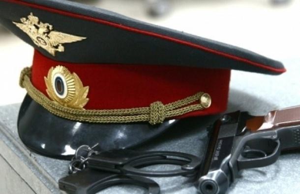 В Колпино полицейского оштрафовали за отказ принимать заявления о кражах