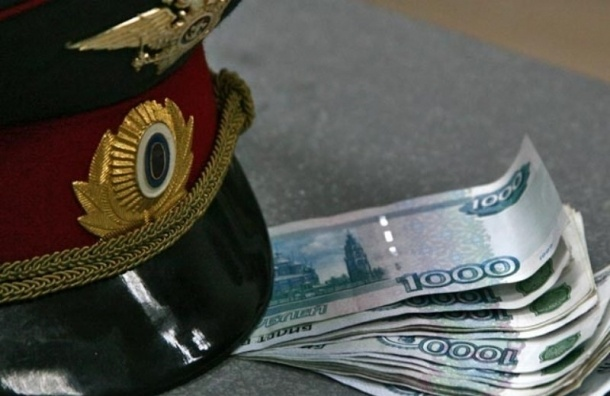 Следователь Адмиралтейского района за деньги