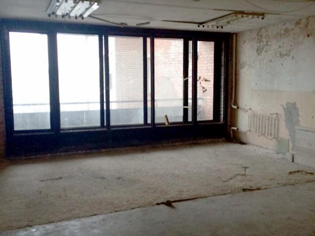 Лифтовый холл готовится стать квартирой. Фото жителя дома № 9 по Сиреневому бульвару