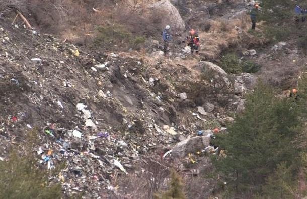 СМИ: второй пилот покинул кабину А320 перед катастрофой