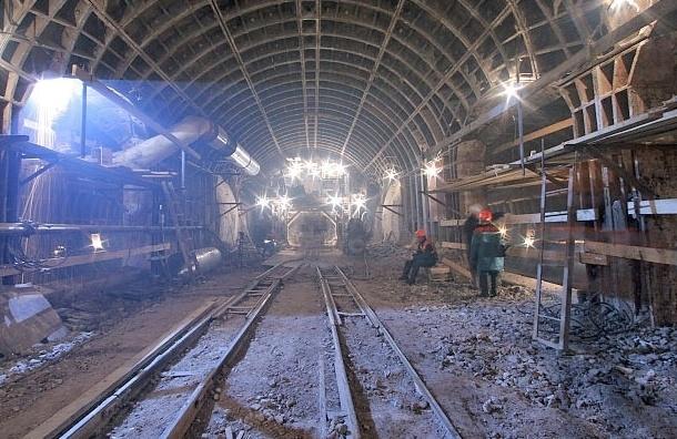 В Петербурге почти на 7 миллиардов сократили расходы на строительство метро в текущем году