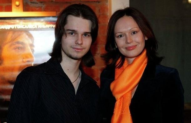 Пасынок Безрукова Андрей найден мертвым у себя дома