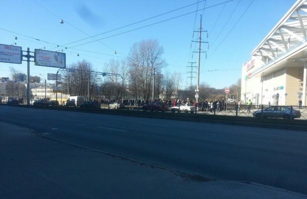 Очевидцы в соцсетях сообщают об эвакуации в ТЦ «Европолис»