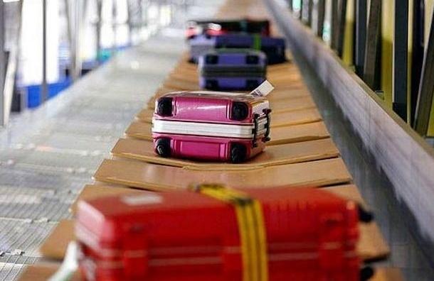 Сотрудников досмотра аэропорта «Пулково» поймали на краже имущества пассажира