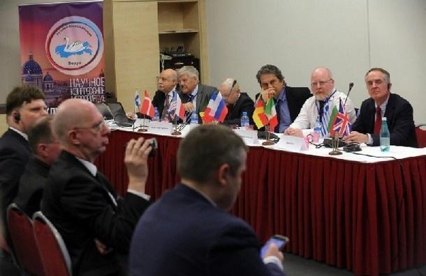 Форум консерваторов в Петербурге прервали из-за «заминирования»