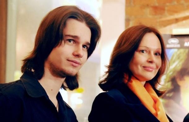 Пасынок Безрукова позвонил в службу спасения перед смертью