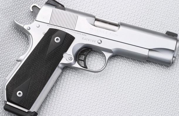 СМИ: В Москве-реке обнаружили два пистолета недалеко от места убийства Немцова