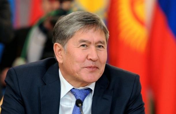 Президент Киргизии Алмазбек Атамбаев прибыл в Петербург для встречи с Путиным