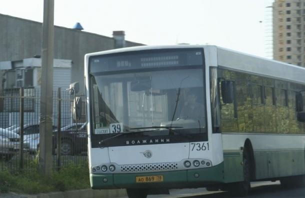 В автобусах от «Московской» до Пулково можно будет расплатиться банковской картой