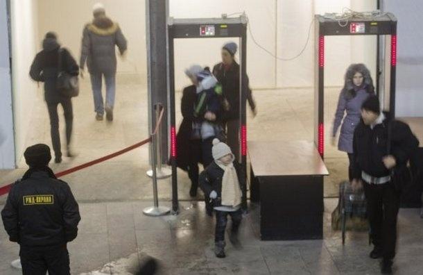 На петербургских вокзалах прокуратура искала охранников, но не нашла