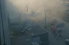 Торговый павильон горел на проспекте Просвещения