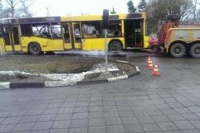 На АЗС в Красносельском районе горел автобус
