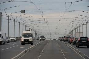 На мосту Александра Невского отремонтируют трамвайные пути