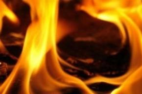15 человек эвакуировали из горящего дома на Рабфаковской