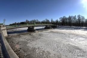 Любитель погулять по весеннему льду был спасен у 3-го Елагина моста