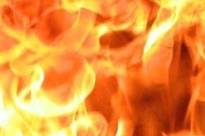 20 человек эвакуировали из-за пожара на улице Кораблестроителей
