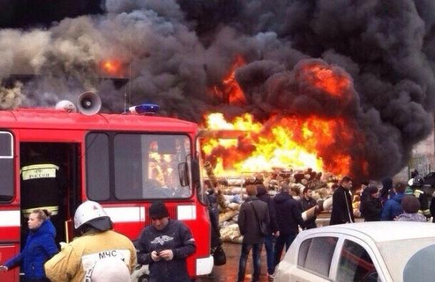 В Казани торговый центр «Адмирал» обрушился из-за пожара