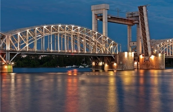 Три моста разведут в Петербурге в ночь на 27 марта