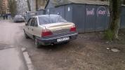 Фоторепортаж: «Парковка на газонах в Московском районе у спортивной площадки школы № 519»