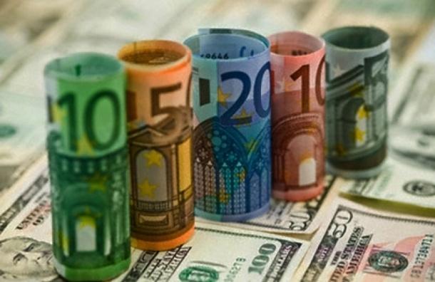 Курс валют на 15.04.15: курс евро упал ниже 54 рублей