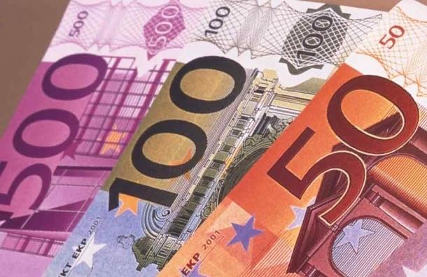 Курс евро вырос на 69,89 копеек