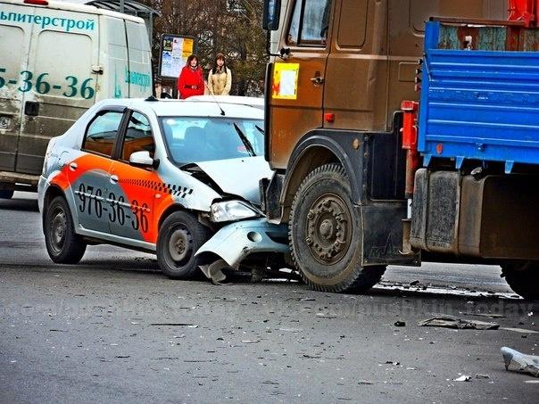 Авария с французскими студентами в Пушкине : Фото