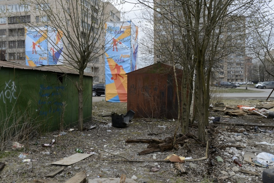 Место, куда хотят перенести каток. Фото: Сергей Ермохин