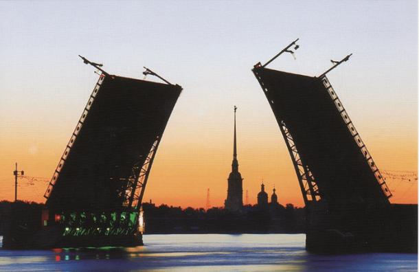 Предстоящей ночью в Петербурге разведут 9 мостов
