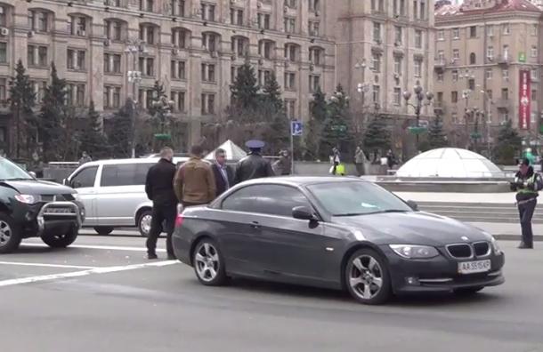 Автомобиль сына Порошенко протаранил пикап батальона