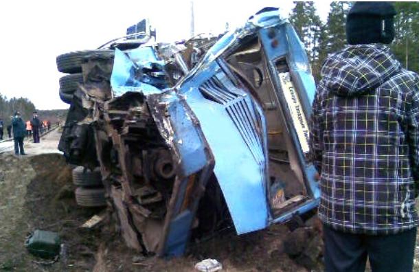 Подробности ДТП в Ленобласти: водитель имел больше 60 нарушений ПДД