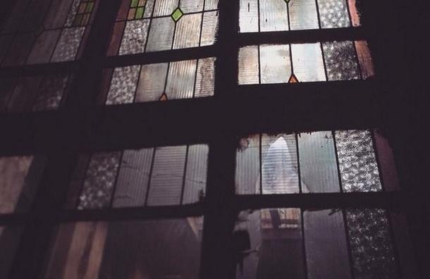 Демонтаж витражей в особняке Изенбека идет без разрешения КГИОП