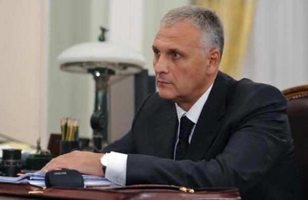 Экс-губернатор Сахалина Александр Хорошавин подарил студентке «Лексус»
