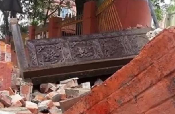 Более двух тысяч человек погибло при землетрясении в Непале