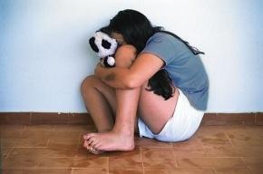 На Искровском проспекте 15-летняя школьница стала жертвой группового изнасилования
